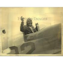 1932 Press Photo James G Haizlip in NY after cross country flight in 10H 19 m