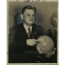 1947 Press Photo Australian Publicist Thomas Dunbarin - noo12803