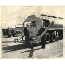 1968 Press Photo Paul Stolig, Jack Scariano of New Orleans International Airport