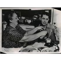 1951 Press Photo Pilot Lt.Clarence Burke crashed F-52 plane on Mrs. Jackson roof