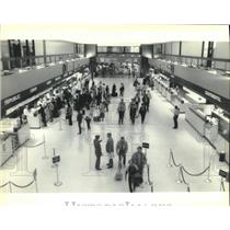 Press Photo New Orleans International Airport ticketing counters. - nob08315