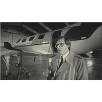 1984 Press Photo Tom Scott, Scott Aviation Inc. with Merlin III turboprop plane
