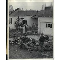 1944 Press Photo C-47 Army Cargo Plane Crashes in Lennox, Three Die - nem53564