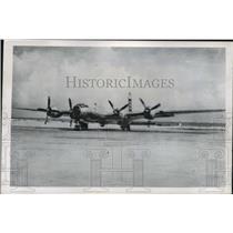 1946 Press Photo he plane B-29 off for a final test flight over Bikini