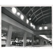 1991 Press Photo Concourse C at Birmingham Municipal Airport - abna25486
