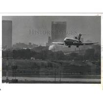 1980 Press Photo Airplane Over Municipal Airport, Birmingham, Alabama