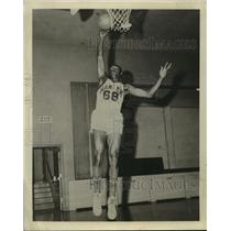 1958 Press Photo Harlem Globetrotter Lester Burks - sas07110