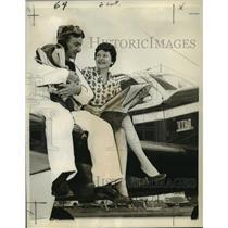 1960 Press Photo Bud Ege and Ginny Casperson modernizing private aviation