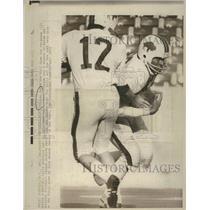 1973 Press Photo O.J. Simpson Joe Ferguson Buffalo Bill - RRQ18133