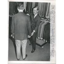 1966 Press Photo New York Met Relie Dennis Ribant Job - RRQ18683