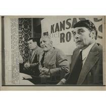 1972 Press Photo Jack Mckeon New Royal Bob Lemon Club - RRQ25331
