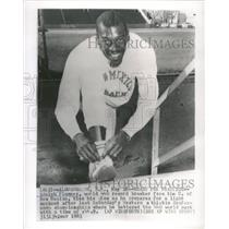 1963 Press Photo Adolph Plummer Western Athletic Mexico - RRQ26071