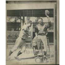 1971 Press Photo Royals Joe Keough Riding In Bat Cart - RRQ30025