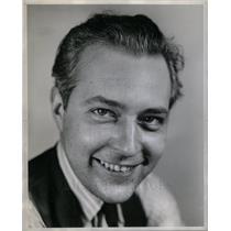 1940 Press Photo LOUIS SCHURRER FREE PRESS ARTIST - DFPD68223