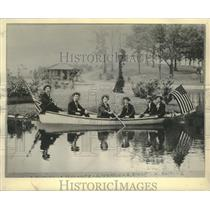 """1895 Press Photo Young dandies in this picture called themselves the """"Bus Boys""""."""