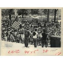 1975 Press Photo Motorcyclists protest helmet law - tua09307