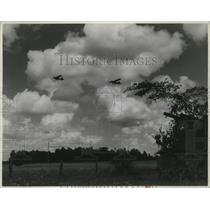 1943 Press Photo Two U S Army Air Corps flying jeeps high up in the clouds