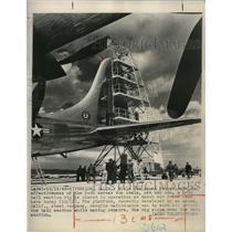 1949 Press Photo Maintenance men work on the B-36 plane tail section - nem62378