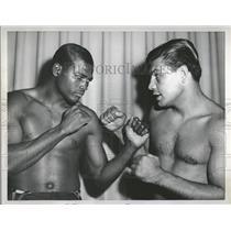 1959 Press Photo Weet Billy Hunter Argent Heavyweight - RRQ13087