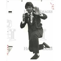 "1980 Press Photo Joe Namath in ""Marriage is Alive and Well - RRQ72461"