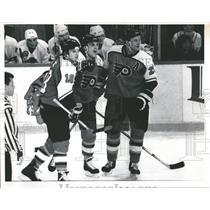 1990 Press Photo Philadelphia Flyers Mike Ricci Hawks - RRQ49961