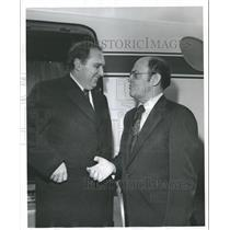 1975 Press Photo Baron Copee welcomed at Airport by Frank Faulkinberry