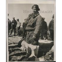 1939 Press Photo General Vladimir Kokkinak refuses to leave crashed plane
