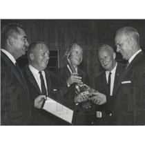 1961 Press Photo Pilot Glen Messer with Other Pilots at awards ceremony