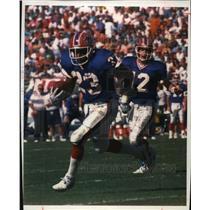 1993 Press Photo Buffalo Bills - Kenneth Davis in Football Game - mjt00198