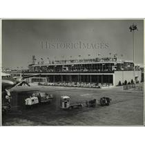 1957 Press Photo People crowd the rooftop at a Holland Airport - nob39563