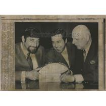 1969 Press Photo New York Jets Joe Namath, Thomas L. Marshall & Amos Treat