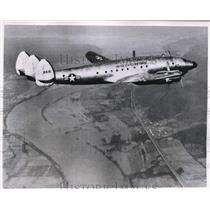 1952 Press Photo Constellation plane carries President Truman over Ohio River