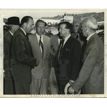 1954 Press Photo Field Marshall Earl Alexander of Tunis visits Boeing plant