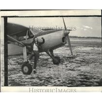1940 Press Photo Peggy Jo Ansel of Baldwin Wallace College in front of the plane