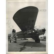 1940 Press Photo Student watches ailerons as instructor Faller operates a plane