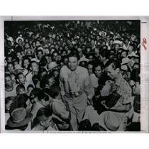 1953 Press Photo Ramon Magsaysay Rabid Philippines walk - RRX67097