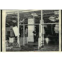 1975 Press Photo Bombed entrance to the TWA terminal of LaGuardia Airport