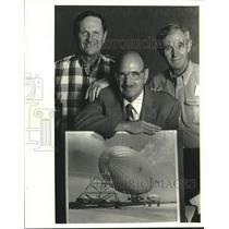 1987 Press Photo John Sciambra, Captain Joe Katz & Howard Sinor with blimp photo