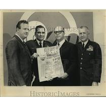 1968 Press Photo Red McCombs with Kelly AFB officials in San Antoinio