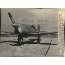 1945 Press Photo New all-wood experimental lightweight fighter plane the XP-77