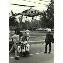 1987 Press Photo South flite helicopter lands in Alabama - amra07517