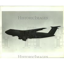 1990 Press Photo C-5 Galaxy Airplane in flight, Alabama - amra03715