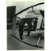 1991 Press Photo Southflight Medical helicopter lands in Alabama - amra05928