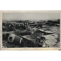 1945 Press Photo Okinawa airfield graveyard for Japanese planes - lrm01316