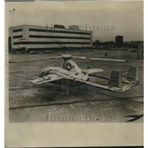 1954 Press Photo The XVI Convertiplane displayed at McDonnell Aircraft Corp.