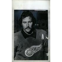 1974 Press Photo Mickey Redmond Detroit Red Wings - RRX39411