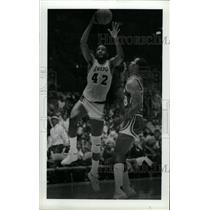 1985 Press Photo James Worthy Lakers Basketball - RRW73757