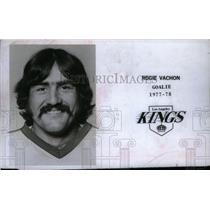 1977 Press Photo Rogie Vachon Los Angeles Kings Goalie - RRX44549