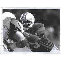 1977 Press Photo Miami Dolphin tackle Manny Fernandez during practice