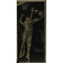 1949 Press Photo Vince Boryla New York Knicks player - RRW80743